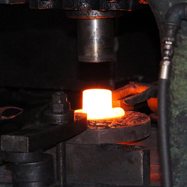 stampaggio-a-caldo-ghifonpres